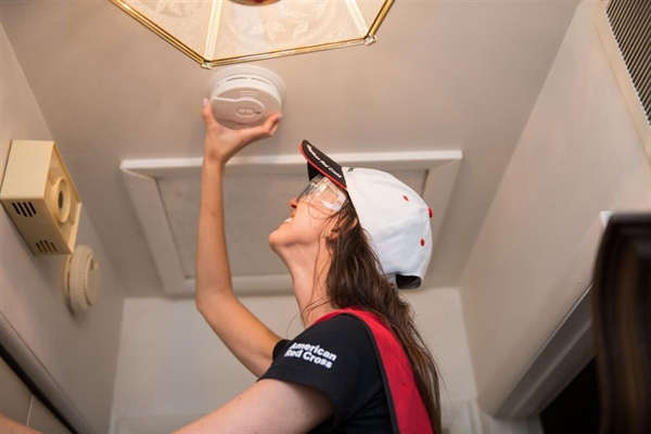 Red Cross Seeks Volunteers to Help Install Smoke Alarms during Sound the Alarm Event in Bellevue